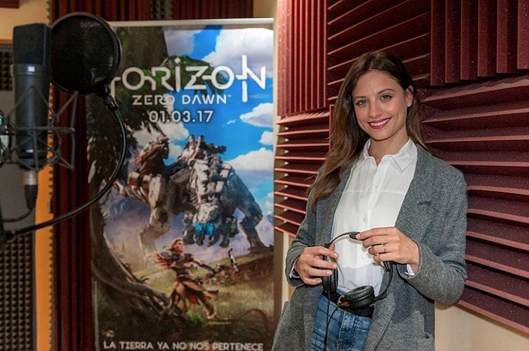 La actriz Michelle Jenner en una sesión de doblaje de Horizon: Zero Dawn