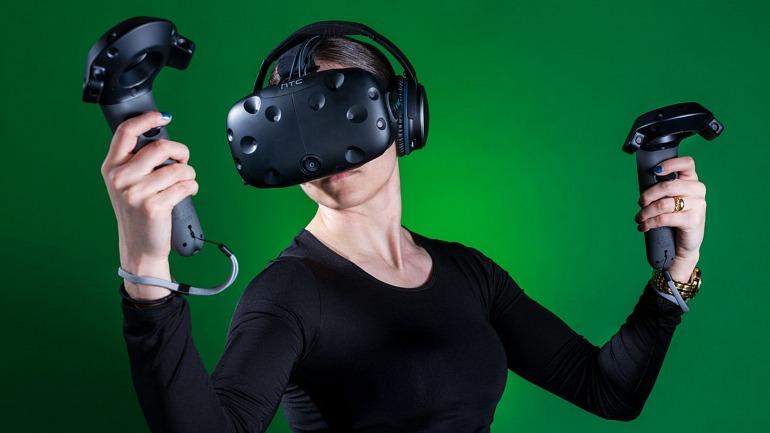 """MSI sobre la Realidad Virtual: """"Deberían bajar los precios lo antes posible"""""""